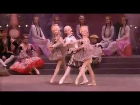 Tchaikovsky - The Nutcracker - Dance of the reed pipes